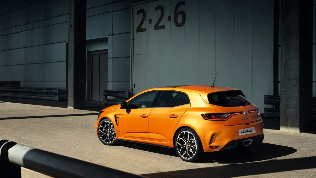 Renault MEGANE RS - sporty car in front of a hangar