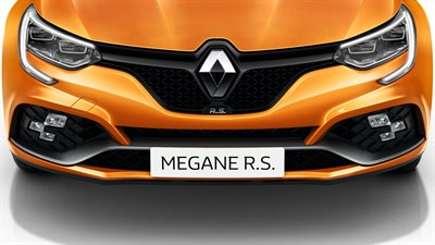 Renault MEGANE RS - focus on front air intake